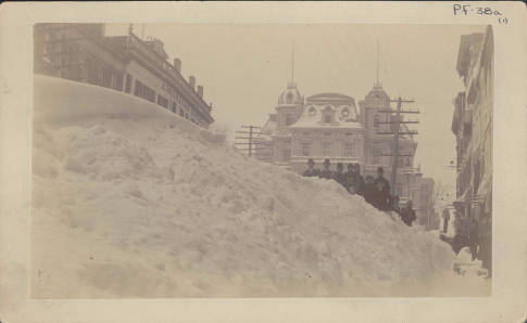 State Street in Hartford, Connecticut after the Blizzard of 1888.[2]